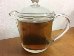 ポットに入れたメタボメ茶