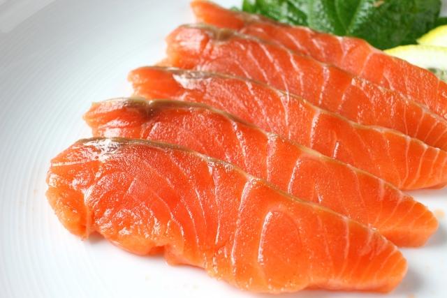 鮭の薄切り