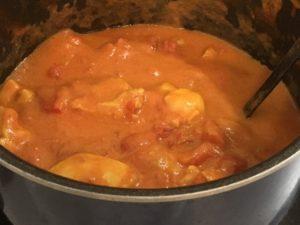 鍋のバターチキンカレー