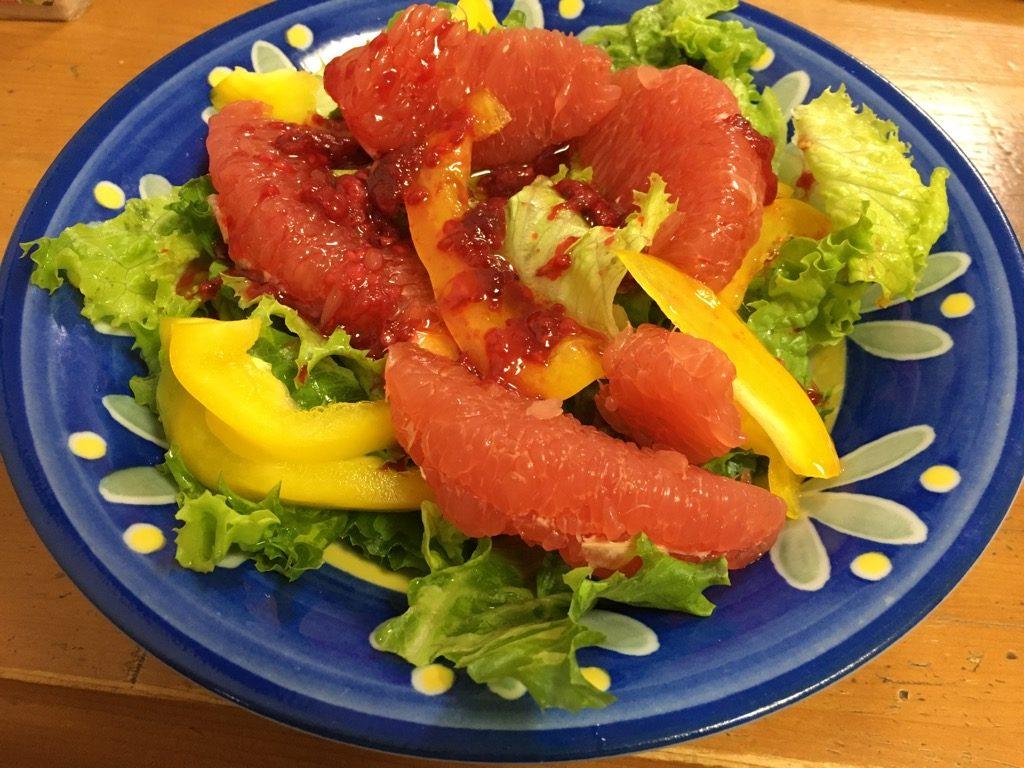 イチゴドレッシングサラダ