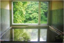 濃溝温泉の湯と窓