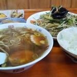黄龍の定食とラーメン
