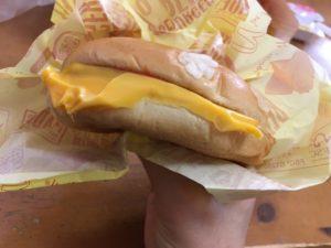 マックチーズバーガー
